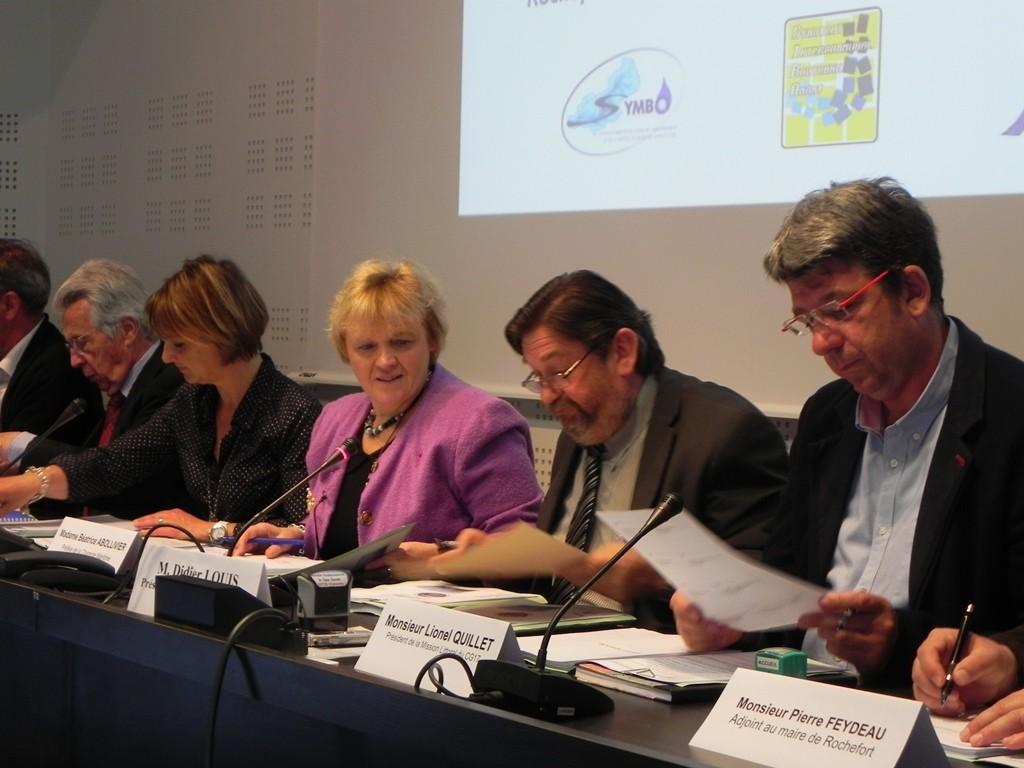 Signature de la convention-cadre du PAPI Charente & Estuaire à Saintes en 2013 © EPTB Charente